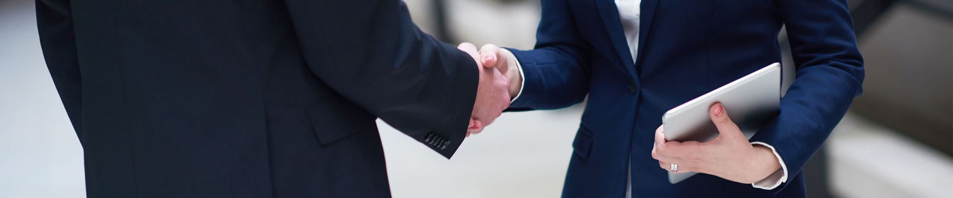 shaking hands key image